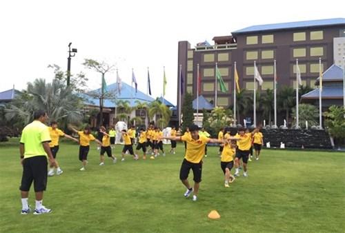 Vietnam women target regional football title hinh anh 1
