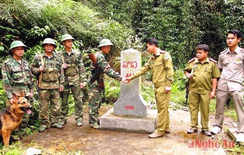 Vietnam-Lao border gets a facelift: conference hinh anh 1