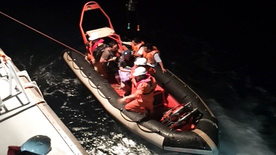 Foreign sailor rescued offshore Da Nang City hinh anh 1