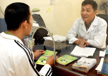 USAID-funded project enhances community links in HIV prevention hinh anh 1