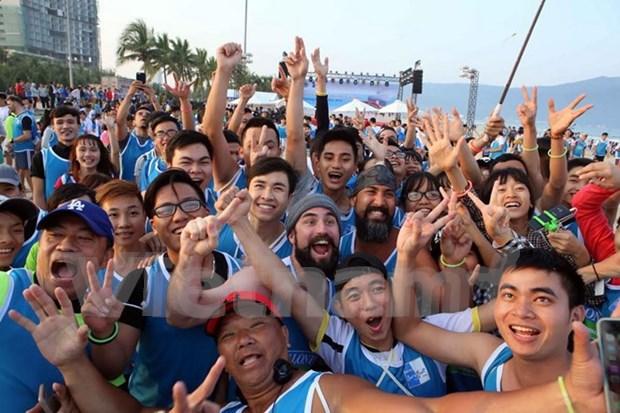 Barefoot runners to race on Da Nang beach hinh anh 1