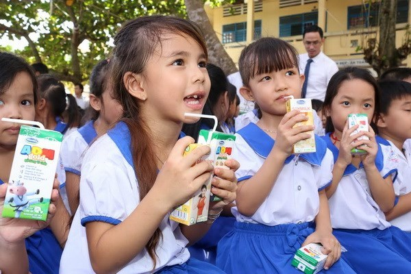 Milk support helps Vietnam's children to stand tall hinh anh 1