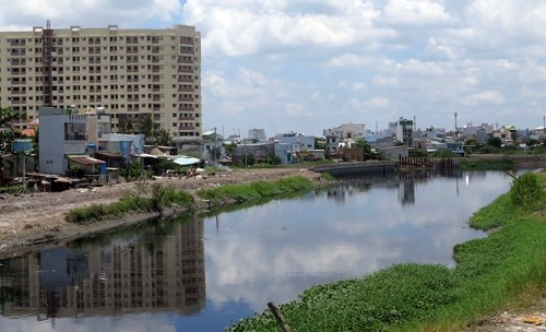 HCM City to relocate factories hinh anh 1