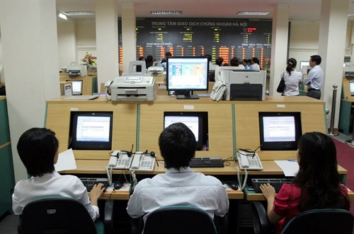 Shares end mixed on week's last trading session hinh anh 1