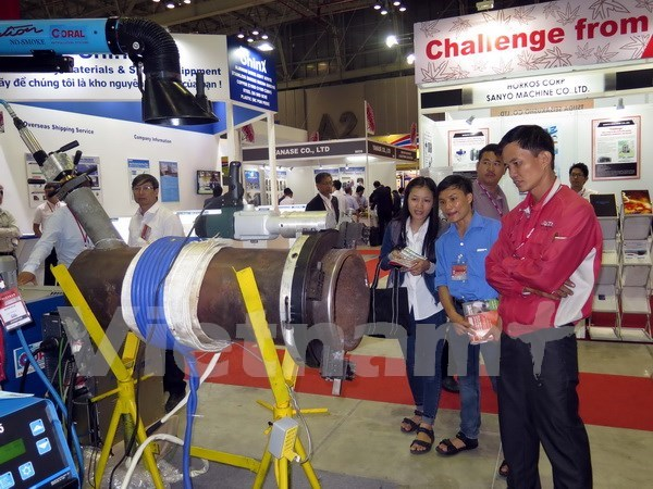 Exhibitions help promote links in support industry hinh anh 1
