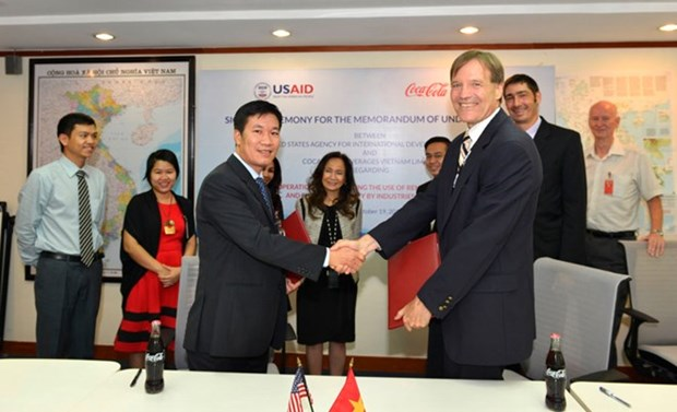 USAID, Coca-Cola Vietnam work to promote renewable energy use hinh anh 1