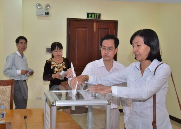 Vietnamese in Cambodia, Mexico join hands to assist flood victims hinh anh 1