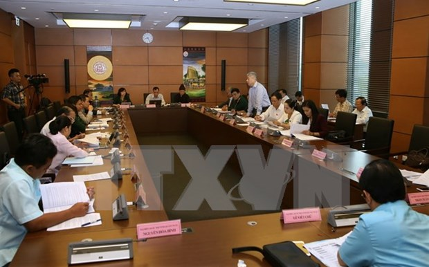 Revised law should facilitate tourism's transformation to key industry hinh anh 1