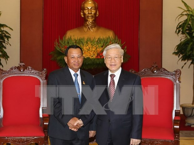 Greetings to Cambodian People's Party on Cambodia's Independence Day hinh anh 1