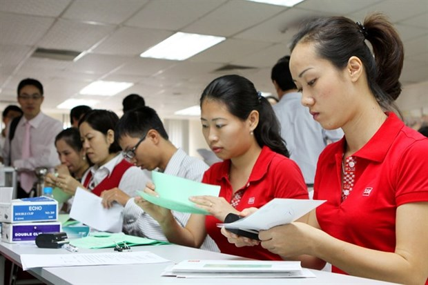 Stocks plunge on US election result hinh anh 1