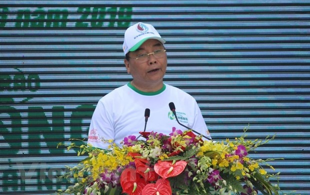 PM calls for joint effort to fight plastic waste hinh anh 1