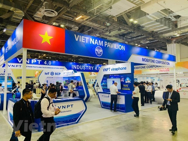 CommunicAsia 2019: Imprint of 'Make in Vietnam' technology products hinh anh 3