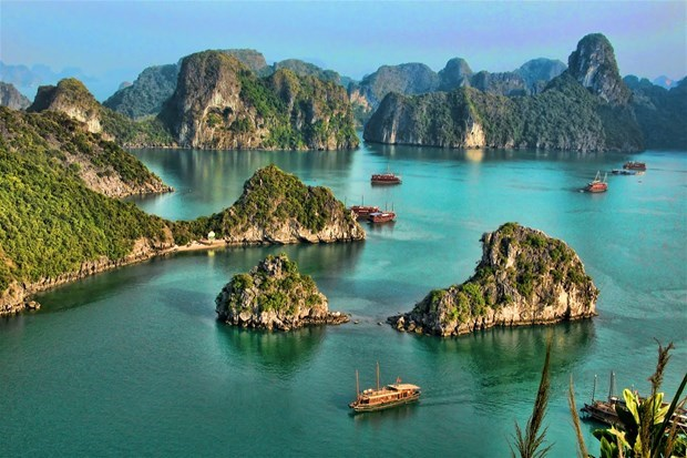 Ha Long Bay - Giant 'watercolour painting' in the Gulf of Tonkin hinh anh 1