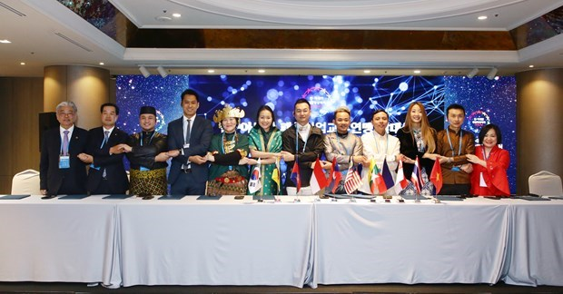 Vietnam becomes ASEAN fashion designers council president for first time hinh anh 1