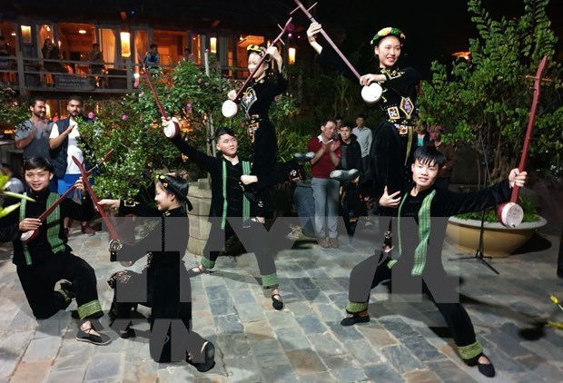 Lao Cai: From colorful cultural picture to different types of tourism hinh anh 2