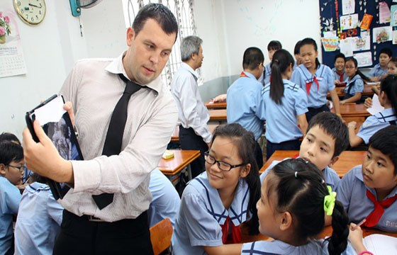 Bac Giang bolsters English teaching at local schools hinh anh 1