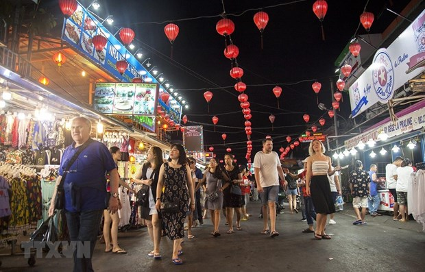 Foreigners visiting Vietnam hit record high in October hinh anh 1