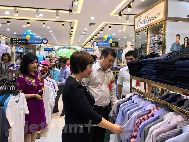"Domestic market: 'Fulcrum"" for businesses to survive crisis hinh anh 2"