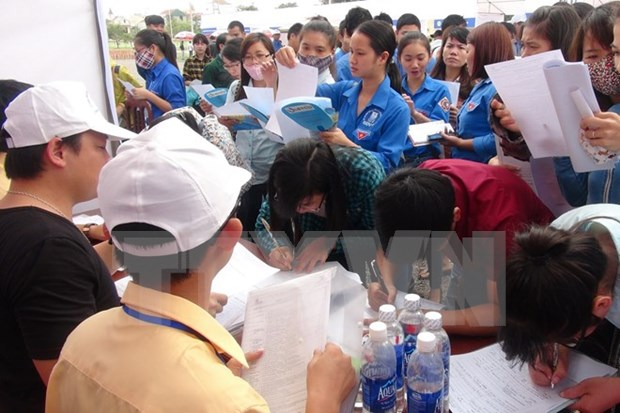 Recruitment needs burgeon in the first six months hinh anh 1