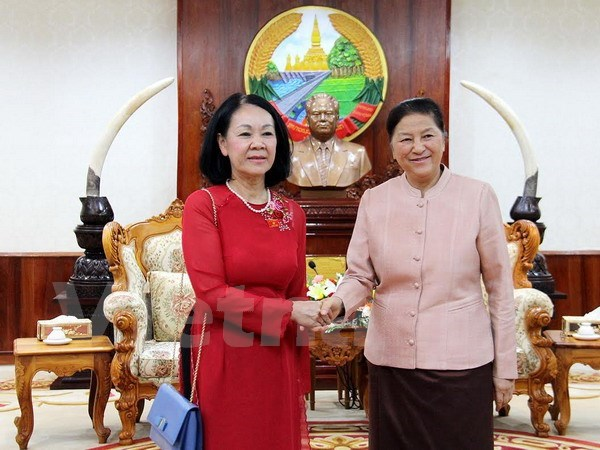 Laos interested in Vietnam's development experience hinh anh 1