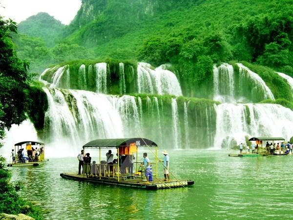Vietnam, China discuss shared Ban Gioc Waterfall vicinity hinh anh 1