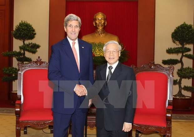 Party leader praises John Kerry's contribution to VN-US ties hinh anh 1