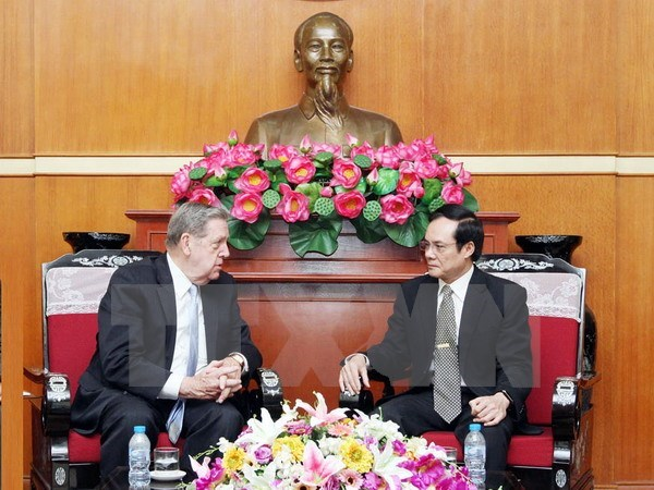 VFF Vice President receives US religious official hinh anh 1