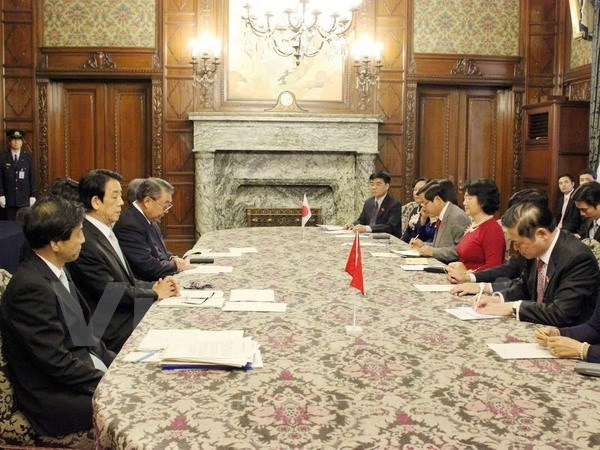 NA Vice Chairwoman meets Japanese parliament leader hinh anh 1