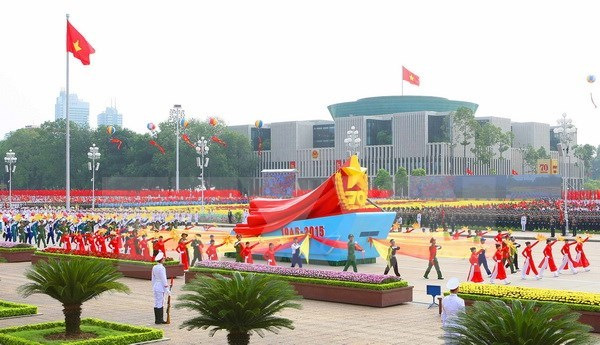 Congratulations on Vietnam's National Day pour in hinh anh 1