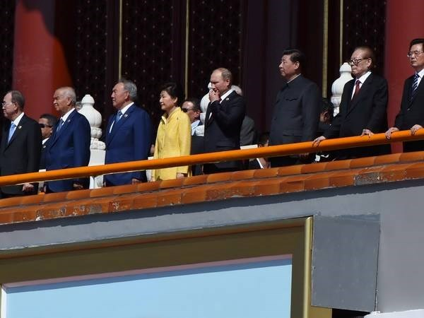 President attends ceremony marking victory over fascism in Beijing hinh anh 1