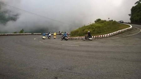 Hai Van Pass, a challenge for new and experienced bikers hinh anh 1