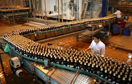 Drink industry told to lift distribution for domestic market shares hinh anh 1