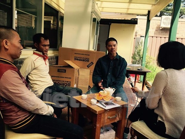 Two Vietnamese nationals lost in Sydney receive support hinh anh 1