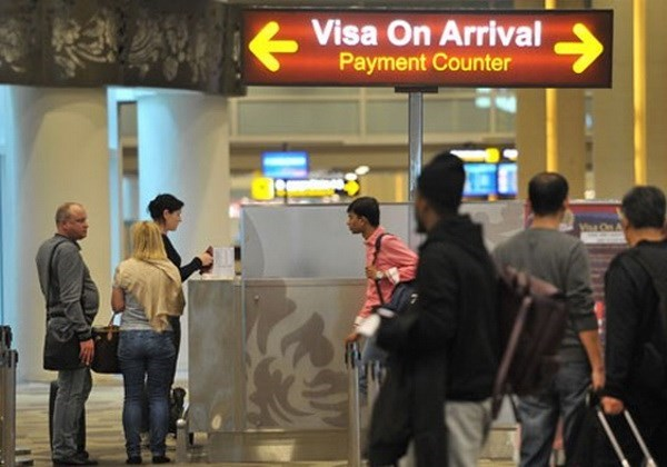 Indonesia waives visa for 75 countries hinh anh 1