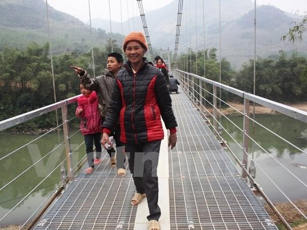 New bridges benefit ethnic minority people in Kon Tum hinh anh 1