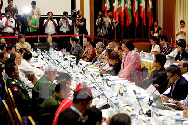 Myanmar signs peace deal with 8 rebel groups hinh anh 1
