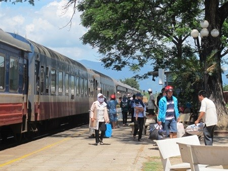 Cheap rail tours start in HCM City hinh anh 1