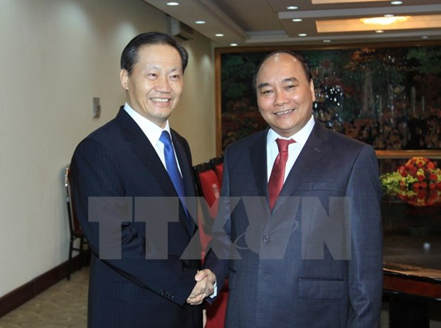 Deputy PM calls for closer cooperation with Guangxi Zhuang autonomous hinh anh 1