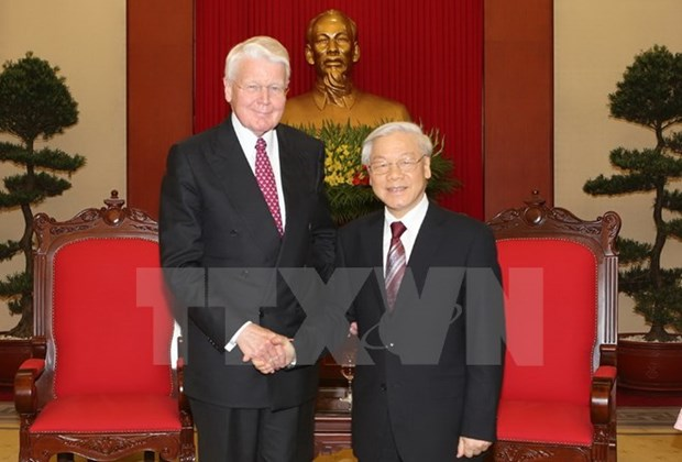 Party chief welcomes first visit by Icelandic President hinh anh 1