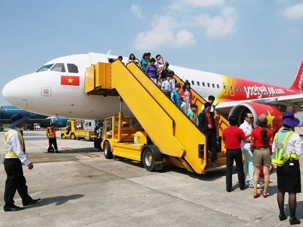 Vietjet to give away 300,000 promotional fares hinh anh 1