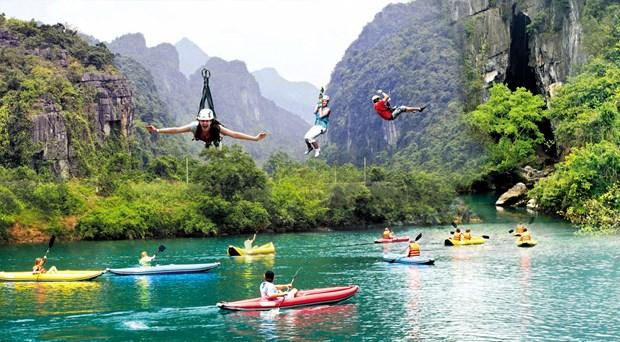 Kayak club debuts in Da Nang hinh anh 1