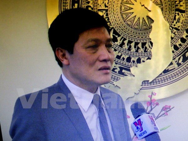 Vietnamese in Czech advised to be cautious about visiting Paris hinh anh 1