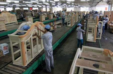 Exporters ponder ways to penetrate new markets hinh anh 1
