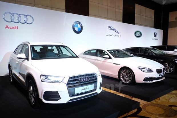 Luxury cars to be shown at int'l motor expo in HCM City hinh anh 1