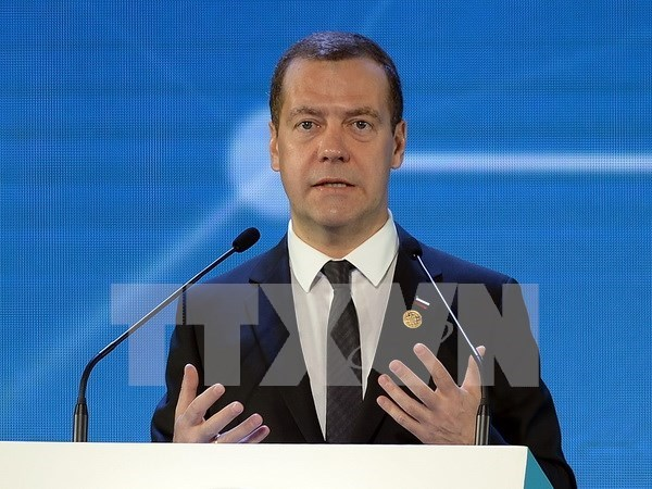 Russian PM starts visit to Cambodia hinh anh 1