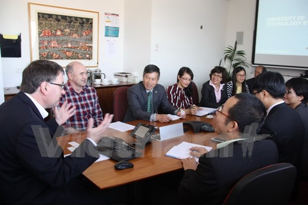 Vietnam consults Australia's research evaluation system hinh anh 1