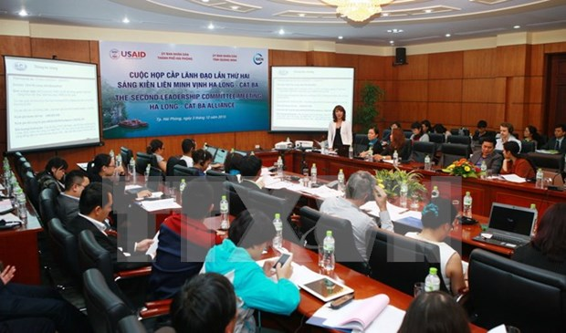 Ha Long- Cat Ba alliance promotes environment preservation hinh anh 1