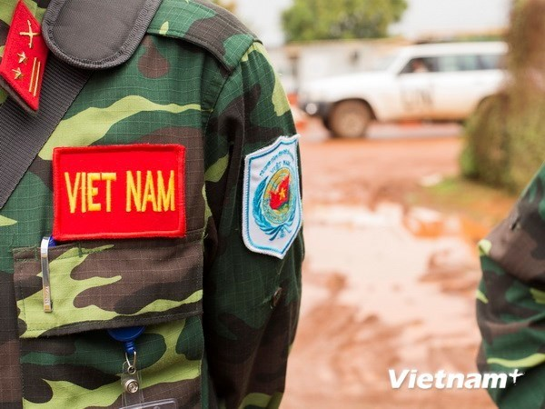Vietnam, China share experiences in deploying level-2 field hospital hinh anh 1