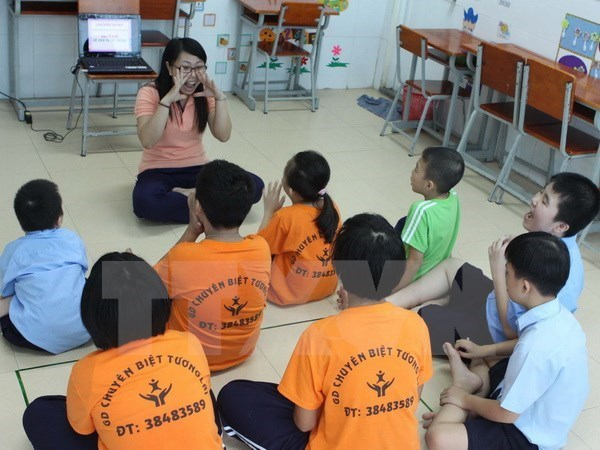 Disabled women, children in Thanh Hoa assisted by Germany hinh anh 1