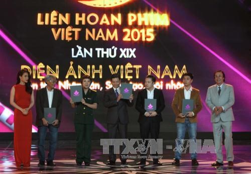 Four Golden Lotus Awards presented at 19th Vietnam Film Festival hinh anh 1